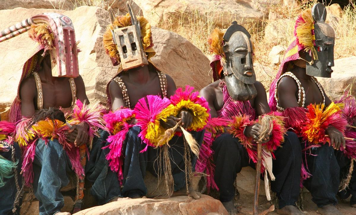 الدوجون شعب إيزيس في مالي