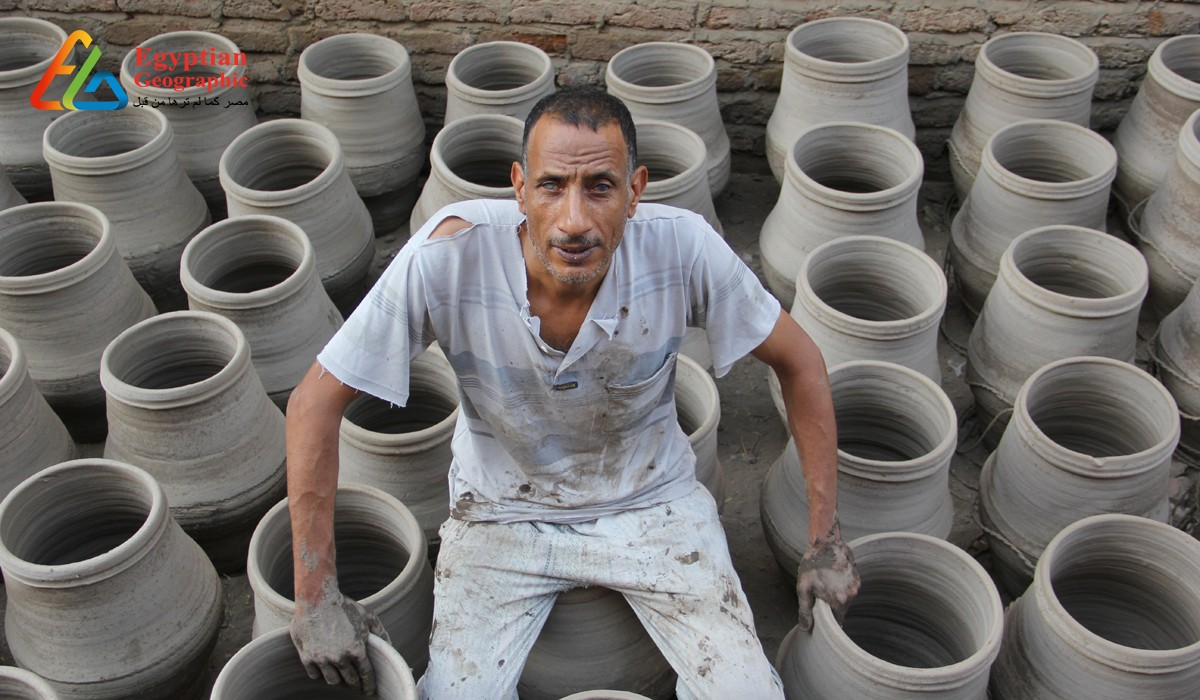 CUncle Harbi: blind person who made pottery by hand